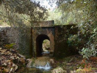 01 P1020184 fontaine muntanya pont