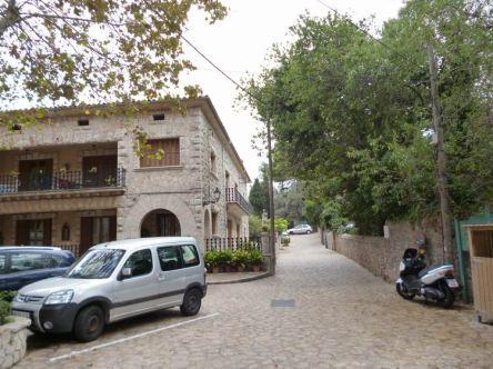 03 P1020395 valdemossa rue uruguay bebut trek