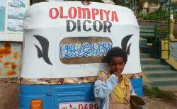 Gondar Rues 05 tuktuk
