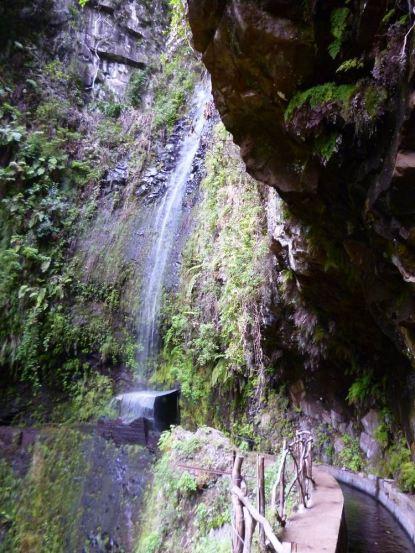 Resize of Levada da Ribeira da Janela 6 cascade passage