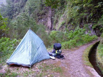 Resize of PR9 (10) Levada Calderao do Inferno campement Tente