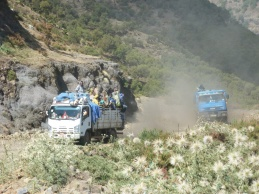 Simien 2 Kaba Fen 11 Route descente sud Geech plateau trucks