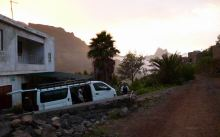 CaboVerde2013-D-00 Alto Mira III-Entree village-Mercearia Lima et aluguer