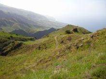 CaboVerde2013-D-35 Figueiras de Cima-Debut du chemin vue sur fins vallee Alto Mira