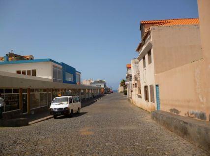 CaboVerde2013-G-04 Ponta do Sol Centre commercial vide