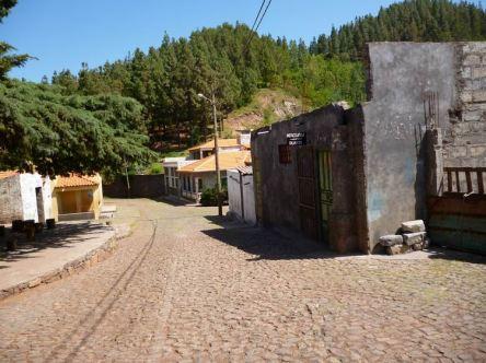 CaboVerde2013-H-40 Pico da Cruz village