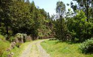 CaboVerde2013-J-01 Route pavee apres bifurcation Pica da Cruz