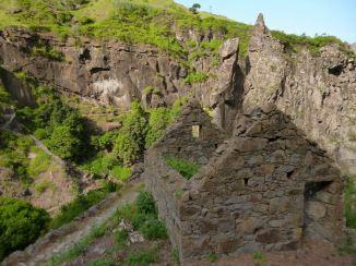 CaboVerde2013-K 54 Ribeira de Penede-Casa en pierre abandonee vers la fin des lacets
