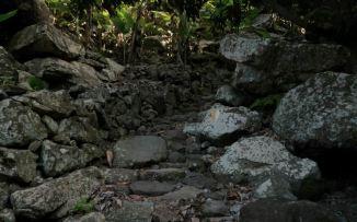 CaboVerde2013-K 56 Ribeira de Penede-Lacets debouchent dans le lit et Marquage