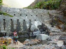 CaboVerde2013-K 78 Ribeira de Penede-Petit Barrage de retenue-Fin de la Ribeira