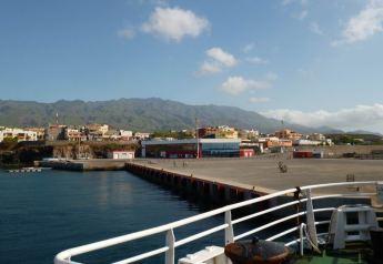 CaboVerde2013-N-12 Porto-Novo Gare Maritime maule