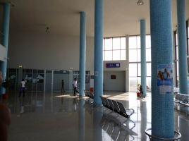 CaboVerde2013-N-15 Porto-Novo Gare Maritime salle attente