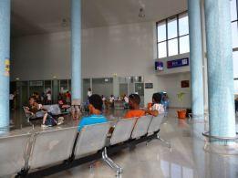 CaboVerde2013-N-16 Porto-Novo Gare Maritime salle attente ATM