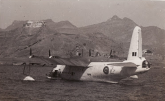 CaboVerde2013-X-00 Mindelo Quadrimotor inglês em 1944