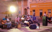 CaboVerde2013-X-24 Mindelo Feria dimanche orchestre