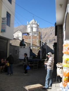 Canyon Colca Cabanaconde loading truck Majestic coco hotel