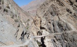 peru-Canyon Cotahuasi gorges et pont beton