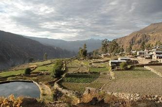peru-Canyon Cotahuasi Pampamarca village