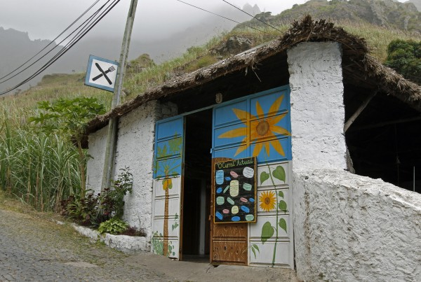 Santo Antao Ribeira do Paul O-Curral resto
