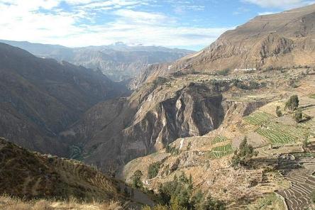 Peru-Canyon Cotahuasi Pampamarca panorama