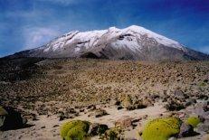 Peru volcan ubinas approche oct 1999