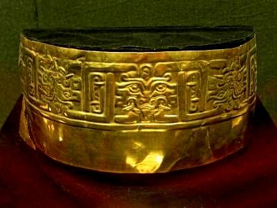 figura 29 Corona de oro de Kuntur Wasi