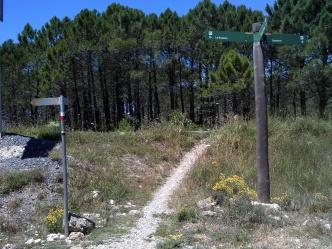 2014-07-12 Ruta dels Refugis (16) Mussara refuge panneau GR