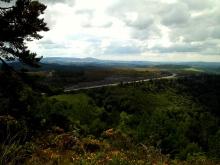 Camino Primitivo Mayake 65 descente Cabreira Fonsacrado au fond