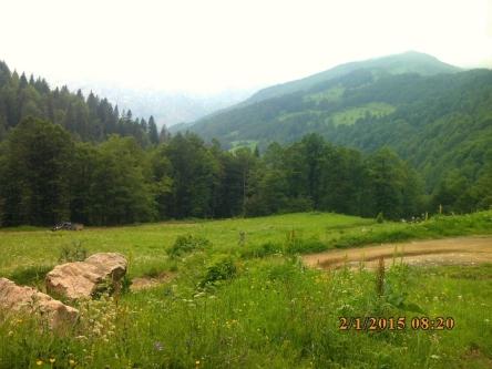 IMG_1296 vallee cerem derriere crete droite